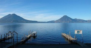 El Lago Atitlán es uno de los lagos más bello del mundo. Al rededor del lago podrán encontrar tres volcanes; Tolimán, Atitlán y San Pedro que hacen la maravilla de este lugar.