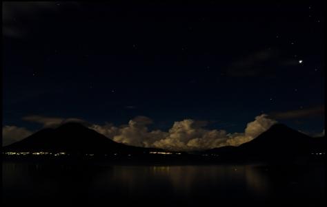 noche en atitilna.jpg